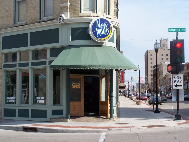 New Moon Cafe Oshkosh