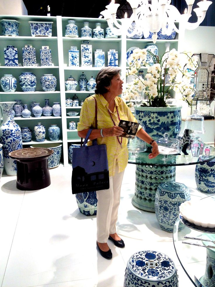 Evi Mitsopoulou picking out for MELI Shop @ Golden Hall, Athens, Greece!