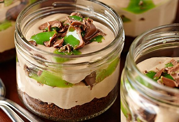 Cadbury's chocolate peppermint cheesecake in a glass.