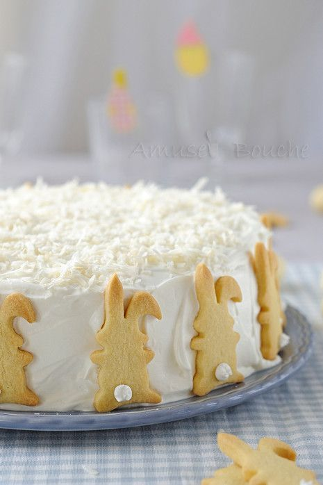 coconut passion fruit cake for easter | recipe: http://www.amusesbouche.fr/article-gateau-coco-passion-123505819.html