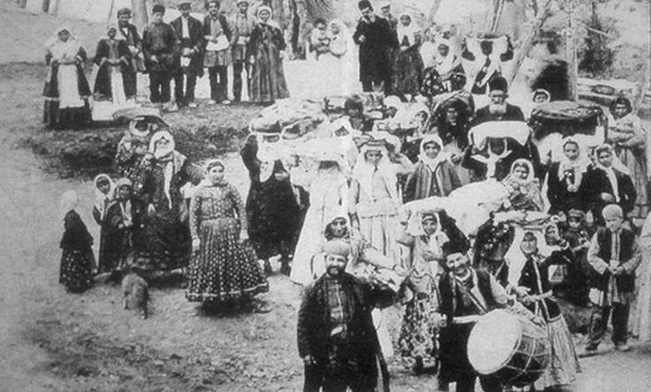 Konya'da Ermeni düğünü - gelin alayı, 1900 kıyafetler çok güzel