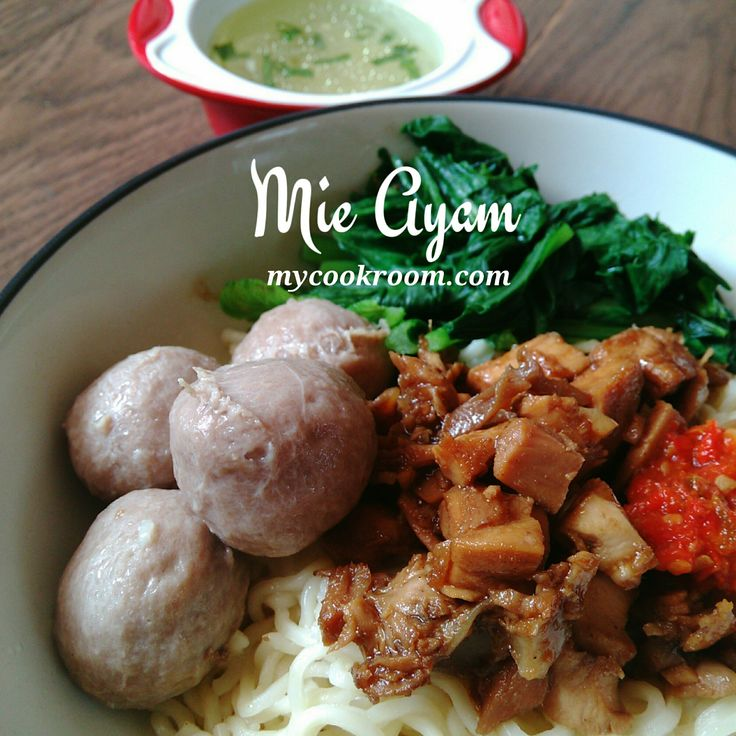 Mie ayam lengkap cara pembuatannya dari mie, kuah, minyak ayam dan pelengkapnya | mycookroom.com