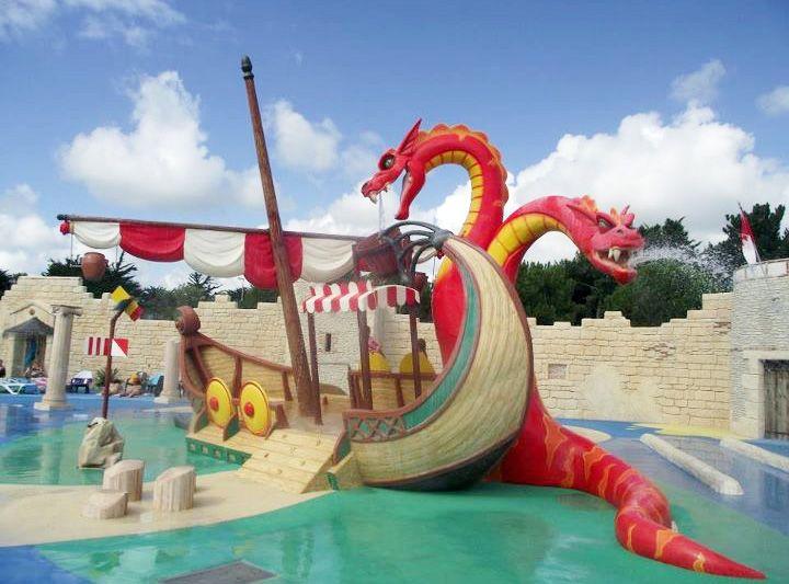 Les 25 meilleures id es concernant toboggan de piscine sur for Camping cabourg avec piscine