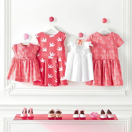 Robes de cérémonie et chaussures blanche et rose pour petite fille, parfaites pour l'été, pour un mariage