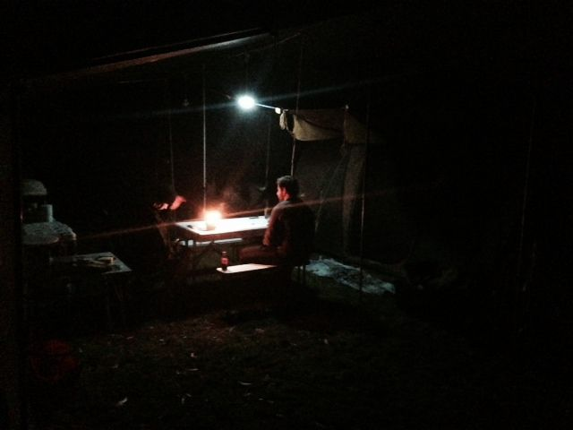 The #CampKingsCrew go all in at a game of late night poker at #CrosslandsReserve #campground on our #GTFO #GetTheFamilyOutdoors #adventure #camping #poker