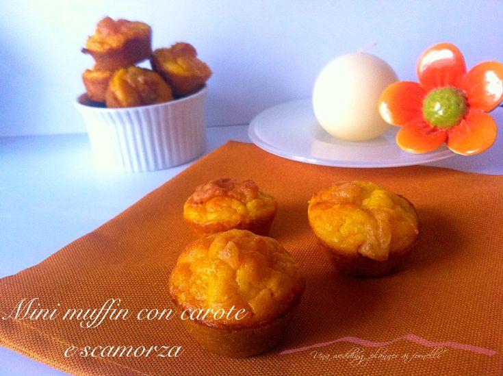 I mini muffin veloci con carote e scamorza sono un facilissimo finger food perfetto come abbinamento ad un secondo piatto, per un aperitivo o per un buffet ma soprattutto un modo goloso per far mangiare le carote a grandi e piccini.  La ricetta completa qui --->   http://blog.cookaround.com/weddingplanneraifornelli/mini-muffin-veloci-con-carote-e-scamorza/