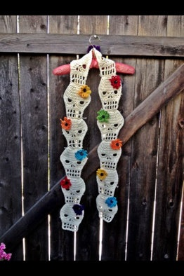 Single Flower Crochet Skull Scarf by DreyNationInc on Etsy, $55.00-- love this! Very día de Los muertos