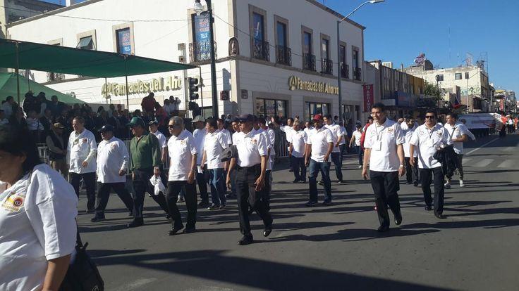 Participa sindicato de trabajadores de la industria hotelera en el desfile del trabajo | El Puntero