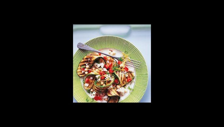 Dit gerecht is een frisse, krachtige combinatie van ingrediënten uit italië, griekenland en het midden-oosten. Het is erg eenvoudig te bereiden.