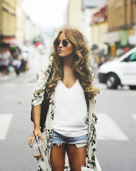 Very casual laid back summer outfit natural wavy hair, shorts are too short but love that kimono. WKD