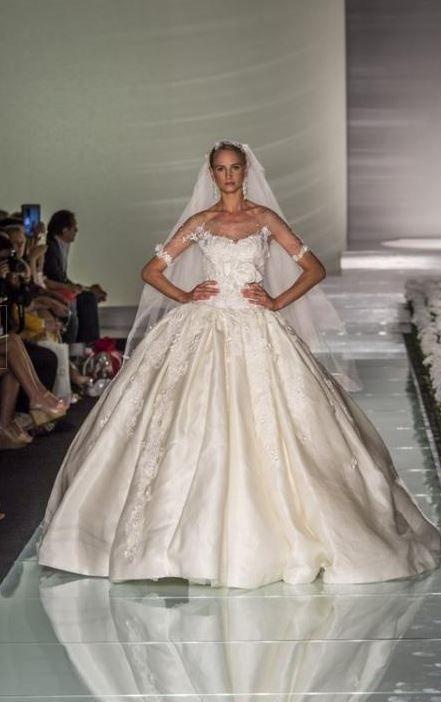 Amelia Casablanca 2015: come essere vere Principesse per un Giorno Amelia Casablanca 2015 vestito sposa