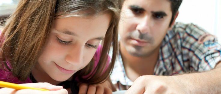 Viele Schülerinnen und Schüler tun sich mit der Kommasetzung schwer. Dabei muss man sich nur ein paar einfache Kommaregeln merken. Das Komma dient i