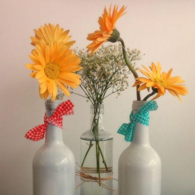 Wedding decor,  party decor, casamento, decoraçao, cute, love, doily, retro, DIY wedding, flowers, flores, bottles, boteco.