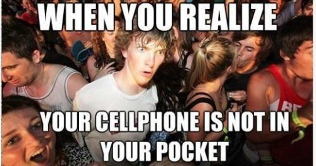 26 Times You Had An Unhealthy Relationship With Your Phone Sudden Clarity Clarence Funny Pictures Best Funny Pictures