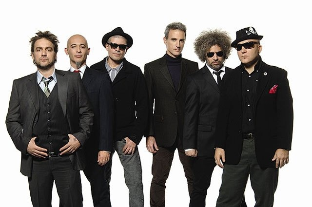 Fabulosos-Cadillacs-Vive-Latino