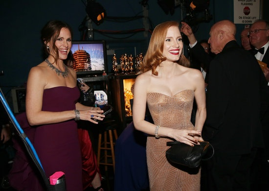 The Best Moments From Inside the Oscars!: Isla Fisher backstage at the 2013 Oscars.   : Jennifer Garner and Jessica Chastain backstage at the 2013 Oscars.