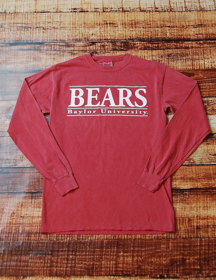 Show your spirit on game day in this awesome long sleeve Comfort Color Baylor University t-shirt. Sure, it's simple which makes it perfect for dressing up. Sic 'em Bears!