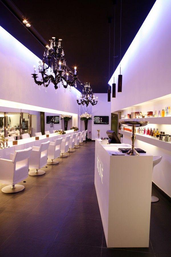 Les 15 meilleures id es de la cat gorie salons de coiffure sur pinterest id es de salon for Petit salon design deco