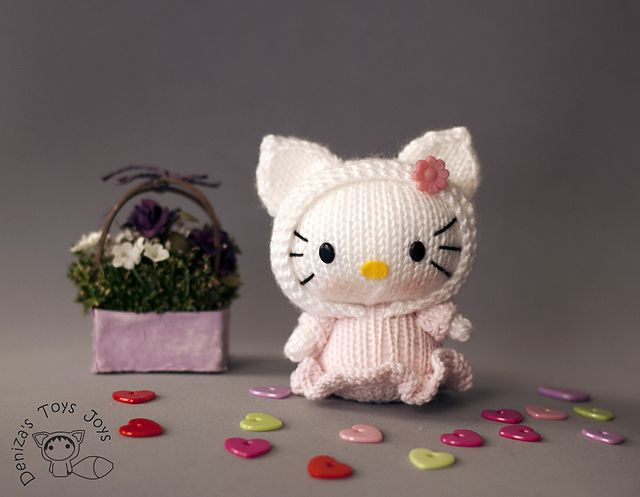 Hello Kitty Doll Toy Knitting Pattern : 17 Best images about Hello Kitty DIY on Pinterest Free pattern, Felt hair c...