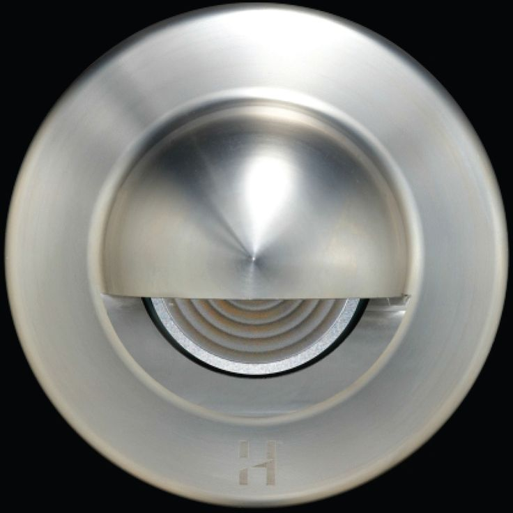 Hunza Euro Step Lite Solid Eyelid PURE LED is an extra compact luminaire designed for step lighting applications where the fixture needs to be very unobtrusive or concealed.