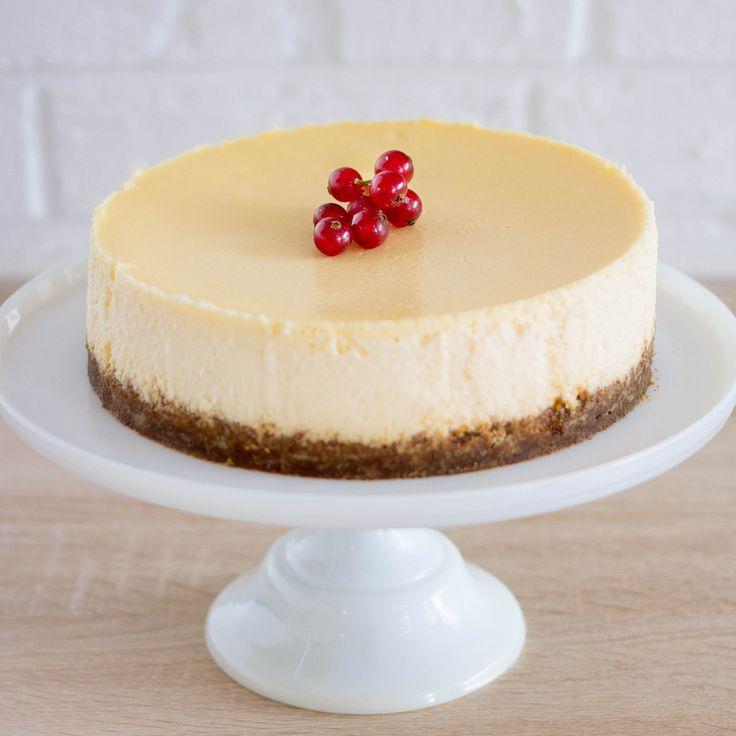 Vous l'avez adoré chez Maison Bastille, vous pouvez maintenant le commander pour vos anniversaires et dîners. A venir chercher à la boutique et à commander au moins 48h à l'avance pour qu'il soit parfait au moment de la dégustation. Coulis au choix : lemon curd, caramel beurre salé ou fruits rouges.Il faut compter un cheesecake pour 8/10 gros gourmands.*** A retirer en boutique ***