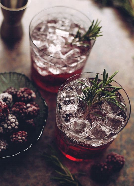 butteryplanet:  gin soda sweet berry syrup blackberries rosemary