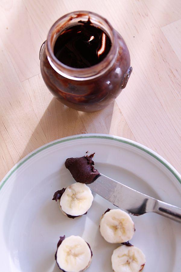 Tahini cocoa spread