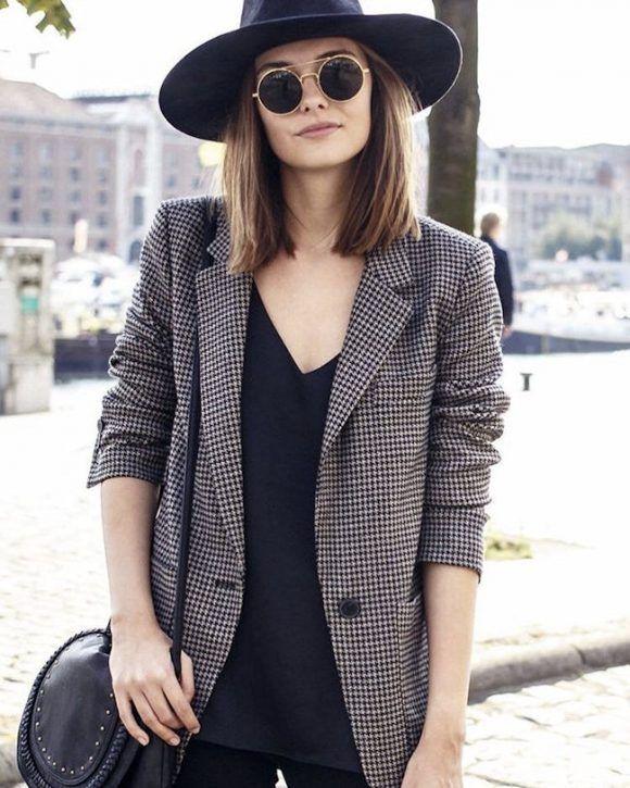 Veste à carreaux style boyish pour un look masculin-féminin >> http://www.taaora.fr/blog/post/veste-blazer-carreaux-pied-de-poule-look-style-masculin-feminin