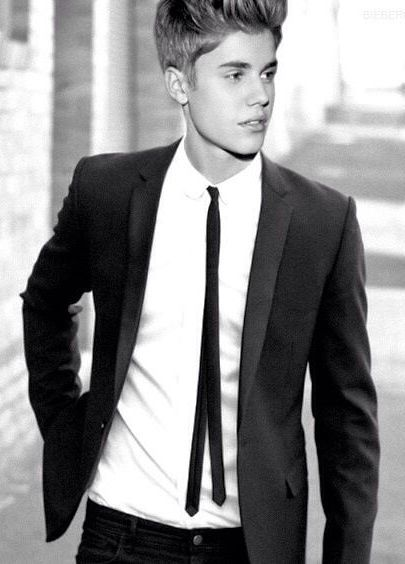 111 best images about justin bieber 2014 on pinterest for Justin bieber black and white shirt