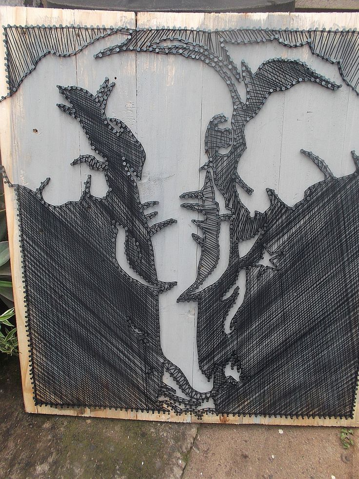 Elephant string art on pallets