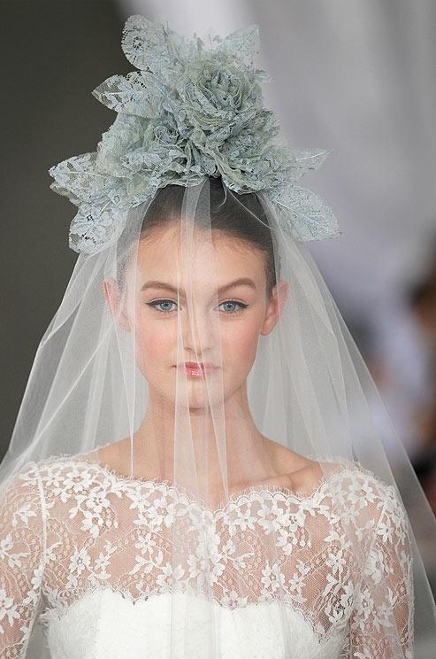 A Wedding Veil Of Leafy Greens In Luscious Lace At Carolina Herrera