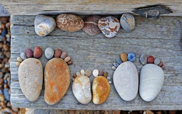 garten gartendekoration steinfüsse farbige kieselsteine