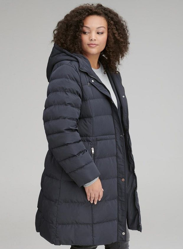 4f0898358d6 Navy Plus Size Puffer Coat– This navy plus size puffer coat features an  attached hood