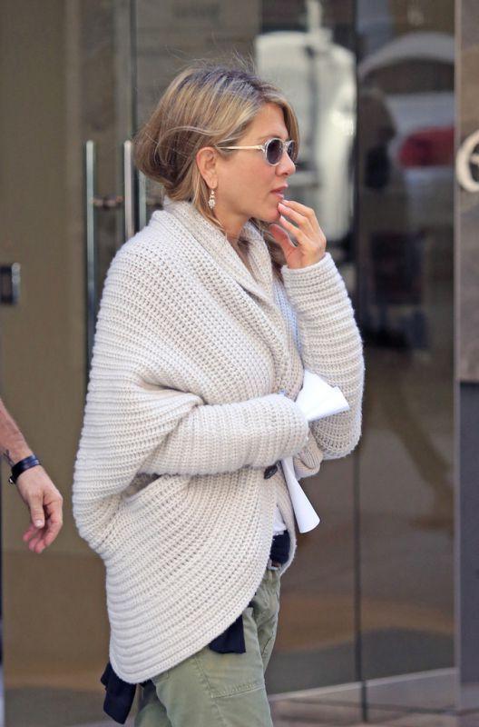 jennifer aniston fashion 2017 | 12 Ways To Style Open Front Sweaters 2017 | FashionTasty.com