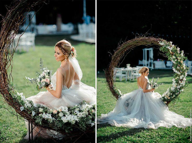 must have bridal portrait on your wedding day #grabazei #weddingphotoideas #bridalportrais #bridalpreparations #gettingreadybride #otiliabrailoiudress #weddingswing #roundswing
