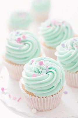 Kiyumie — ari-kanon: Vanilla Nutella Cupcakes