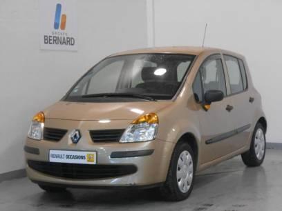 Achetez un Renault Modus essence occasion chez un concessionnaire auto du groupe Bernard