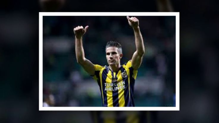 Crystal Palace consider move for Robin van Persie
