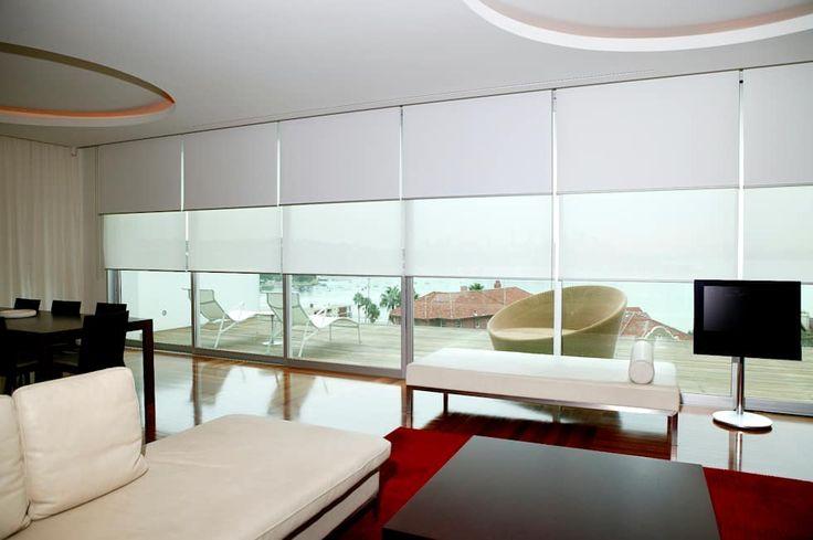PERSIANA ENROLLABLE NOCHE Y DIA: Salas de estilo minimalista por ALTA DECORACION