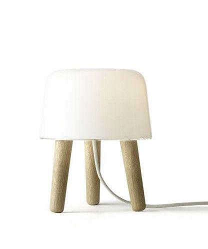 Milk NA1 Bordlampe Natur - &tradition med svart ledning