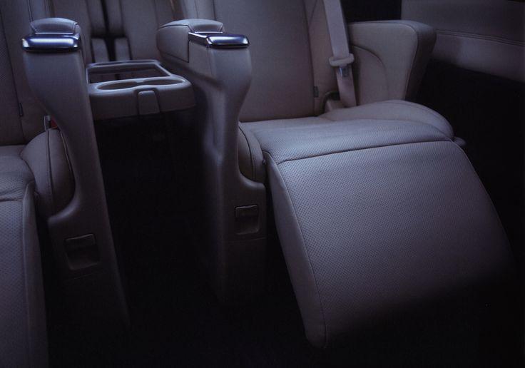 https://flic.kr/p/SGnkrV   Toyota Alphard Hybrid in Dubai; 2015_2  (Japan)