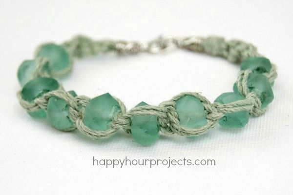Glass Bead Macrame Bracelet tutorial