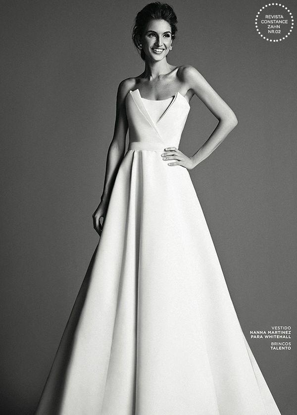 Vestido de noiva minimalista - tomara que caia  ( Foto: Ivan Erick | Vestido…