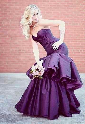 人気NO.1カラー!お色直しは誰よりも可愛い紫色のウェディングドレスが着たい♡にて紹介している画像