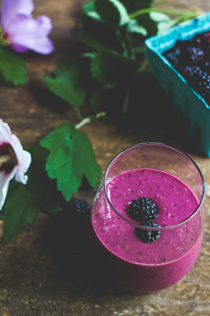 Blackberry ginger smoothie | The Clever Carrot