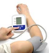 Most doctors and nurses measure blood pressure in one arm. A new British study published in The Lancet suggests that measuring it in both arms may be better. A difference in the arm-to-arm readings of 10 points or more can signal circulatory problems that may lead to stroke, peripheral artery disease, or other cardiovascular problems. In older people, an arm-to-arm difference in blood pressure is usually due to a blockage arising from atherosclerosis, the artery-clogging disease process that…