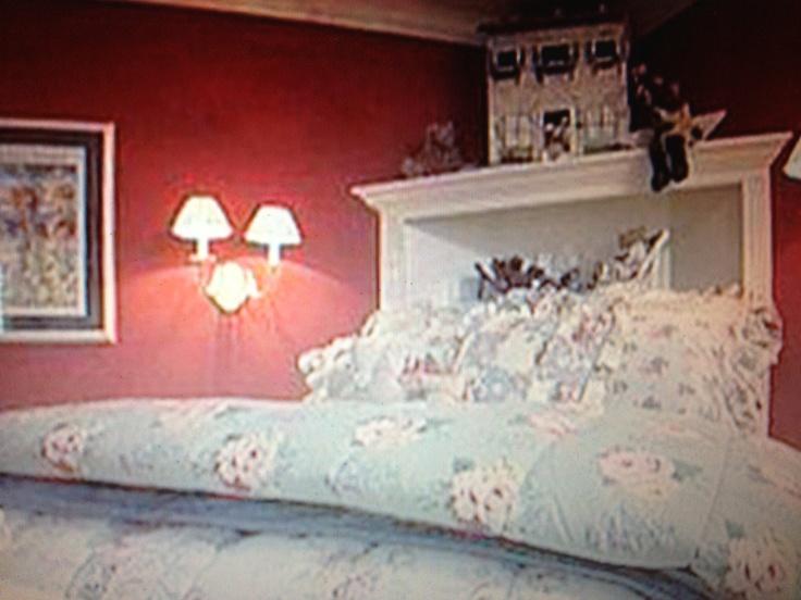 7 best corner bed ideas images on pinterest bedrooms for Corner bed headboard ideas