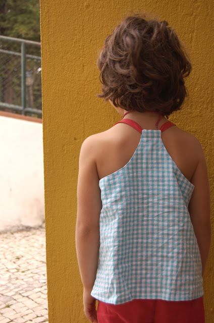 do guincho - self drafted pattern with lovely back detail:)