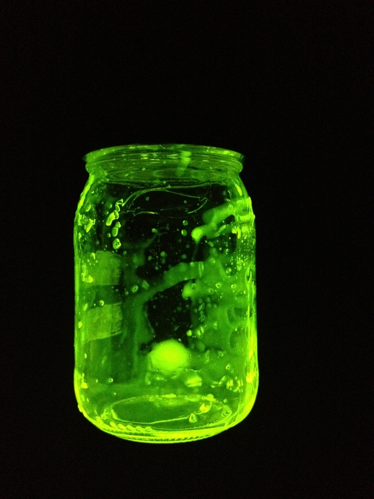 Cut open a glowstick and empty it in a jar. Put the lid on and shake. Now you hav a glowing jar. Cool for the kids to watch
