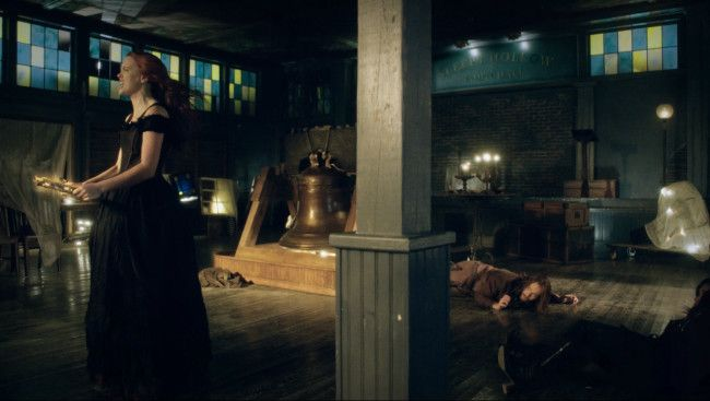 Katrina summoning a portal to the past Sleepy Hollow 2x17 Awakening recap